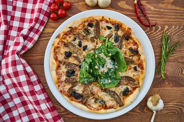 Kamień do pizzy pomoże przygotować pizzę jak z włoskiej restauracji!