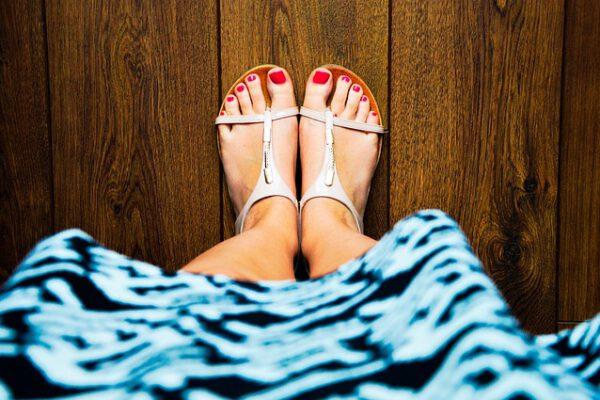 Letnie sandałki dopasowane do sukienki
